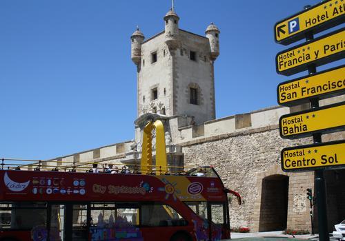 """""""Puerta Tierra"""" Altstadtmauer und -turm"""
