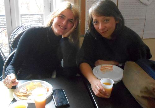 Nach dem Französisch-Sprachkurs wird es Zeit für eine kurze Pause und ein gutes Getränk