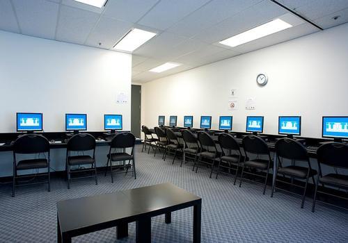 Computerraum von iTTTi Vancouver