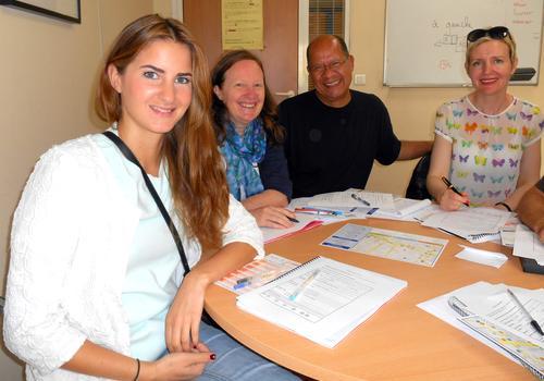 Sprachschüler starten mit einem Französisch Anfängerkurs in ACCORD Paris