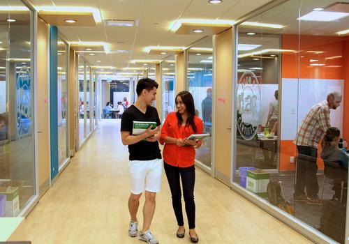 ILAC Vancouver Sprachschüler auf dem Campus